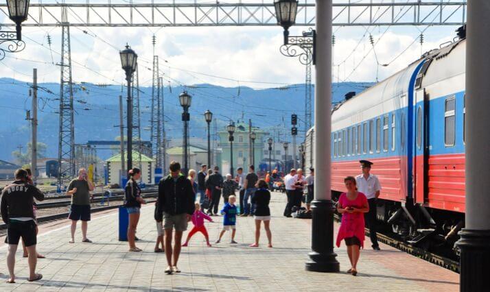 trans-siberian train platform life 1