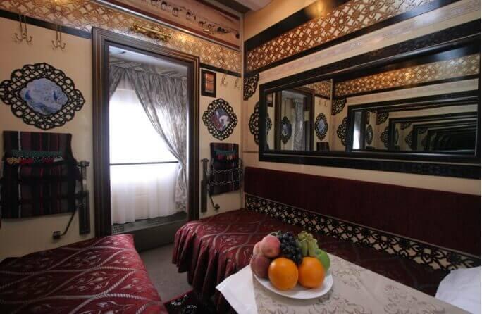 tsars-gold-class-aladdin-1